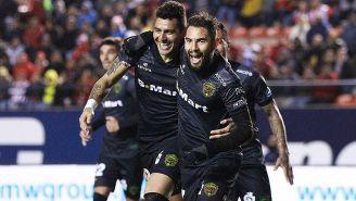 Jugadores de FC Juárez celebran un gol en el Alfonso Lastras