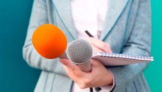 Reportera durante una cobertura