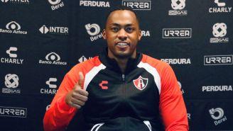 Renato Ibarra en su presentación como jugador del Atlas