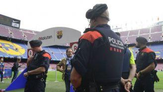 Mossos en el Camp Nou