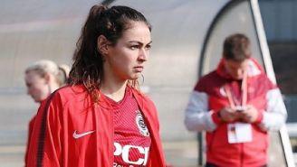 Christina Burkenroad, nueva jugadora de Rayadas