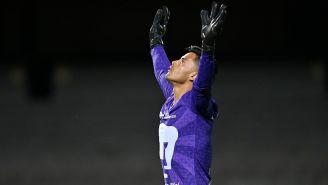 Alfredo Talavera en su primer partido con Pumas