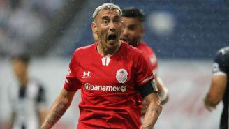 Rubens Sambueza en partido Toluca