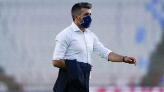 Paulo Pezzolano en el partido contra Querétaro