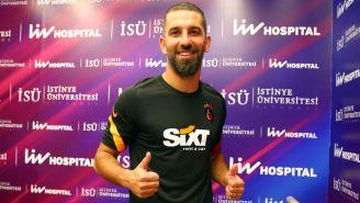 Arda Turan tras pasar los exámenes médicos con Galatasaray