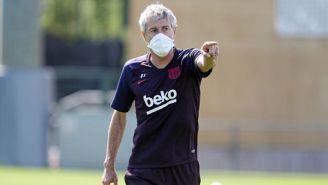 Quique Setién durante un entrenamiento del Barcelona