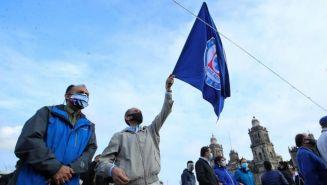 Cruz Azul: Cooperativistas se manifiestan en favor de Billy Álvarez