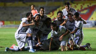 Pumas Tabasco en celebración de gol