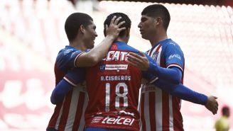 Jugadores del Tapatío celebrando gol