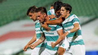 Los Guerreros celebran el gol de la victoria