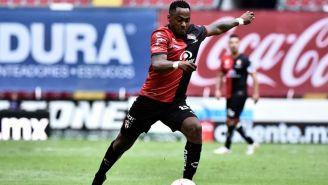 Renato Ibarra en el juego frente a Mazatlán