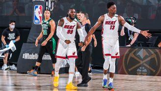 Jugadores del Heat festejan la victoria