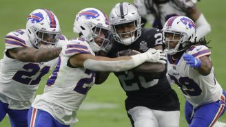 Bills vs Raiders en partido de la NFL