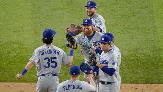 Jugadores de Dodgers tras la victoria sobre Atlanta