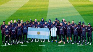 PSG rindiendo homenaje al fallecido Maradona