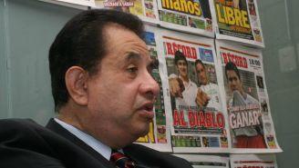 Doctor Alfonso Morales en sesión