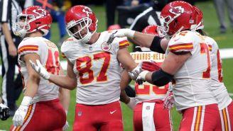 Jugadores de los Chiefs, tras anotar un touchdown