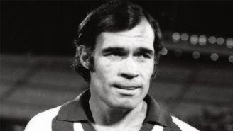 'El Halcón' Peña, previo a un juego de Monterrey