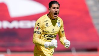 Gil Alcalá en un partido con el Querétaro