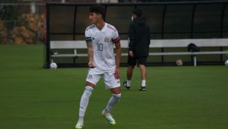 Diego Abreu durante un partido con el Tri