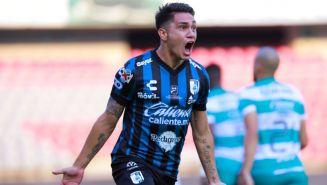 Gonzalo Montes en festejo ante Santos