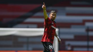 Rubens Sambueza en un partido con Toluca
