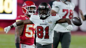 NFL: Antonio Brown firmó extensión de contrato con Tampa Bay