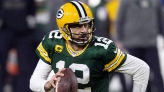Aaron Rodgers en acción con los Packers
