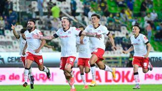 Jugadores del Toluca festejan boleto a Liguilla