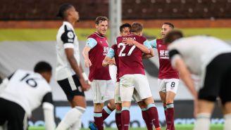 Jugadores del Fulham se lamentan tras gol del Burnley