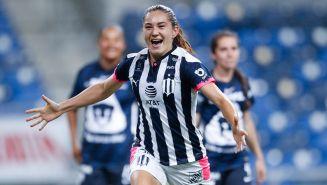 Monsiváis celebra un gol con Rayadas