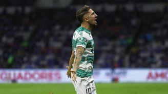 Diego Valdés en festejo de gol