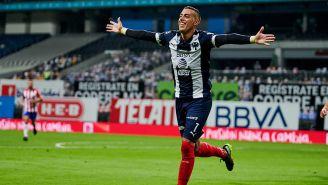 Rogelio Funes Mori festeja un gol con Rayados