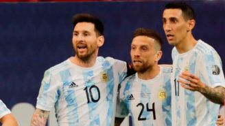 Argentina celebra gol ante Paraguay