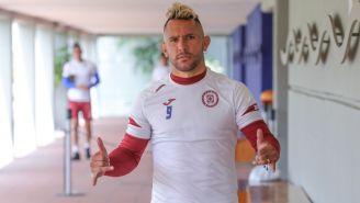 Walter Montoya posa en las instalaciones del Cruz Azul