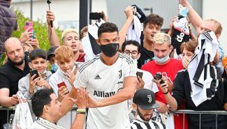 Cristiano Ronaldo ovacionado al llegar a las instalaciones de la Juventus