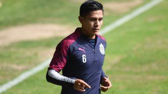 Dieter Villalpando en un entrenamiento de Chivas