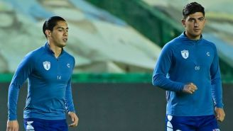Víctor Guzmán y Erick Aguirre previo a un juego de Pachuca