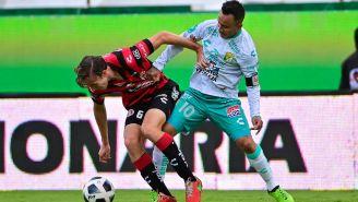 Luis 'Chapito' Montes en acción frente a Xolos durante el Apertura 2021 en la Liga Mx