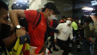 Guillermo Ochoa en el Aeropuerto Internacional de la Ciudad de México