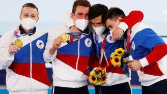 El equipo varonil ruso con su medalla de oro