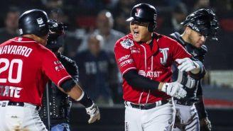 Los jugadores de los Toros de Tijuana festejando