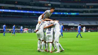 Los jugadores de Rayados festejando uno de los goles