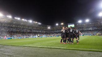Escuadra de la Juventus celebra debut en Champions 2021-2022