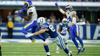 Rams en acción frente a los Indianapolis Colts en la temporada regular de la NFL