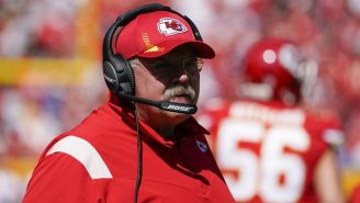 NFL: Coach de Kansas City fue llevado al hospital tras juego ante Chargers