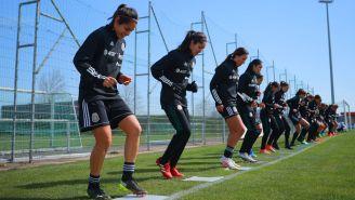 Jugadora de la Selección femenil en una práctica