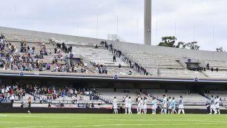 Jugadores de Pumas al final del partido vs Juárez en CU