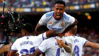 Jugadores del Real Madrid celebran en el Clásico Español