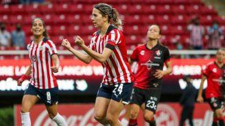 Alicia Cervantes tras anotar gol ante la Academia